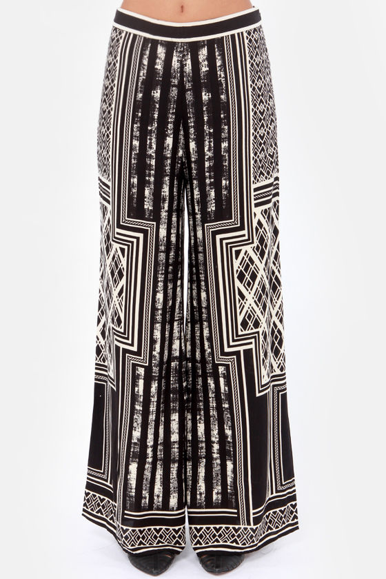 Every Geometric In the Book Black and Cream Wide-Leg Pants at Lulus.com!