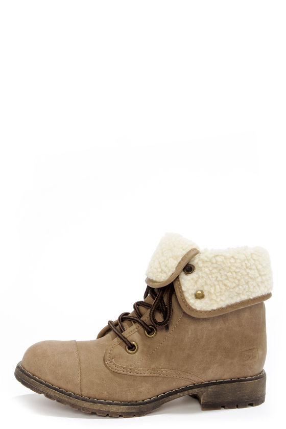 Dirty Laundry Raeven Taupe Convertible Lace-Up Ankle Boots at Lulus.com!