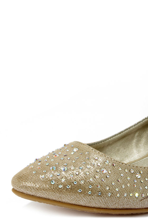 CL by Laundry Sherilyn Champagne Rhinestone Wedges at Lulus.com!
