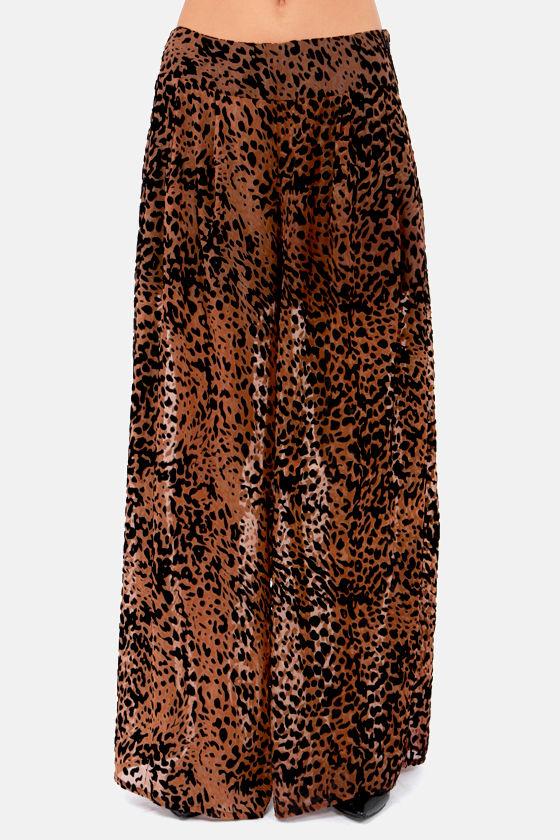 Whole Wild World Velvet Leopard Wide-Leg Pants at Lulus.com!