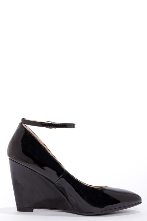 Bamboo Reya 02 Black Patent Ankle Strap Wedges at Lulus.com!