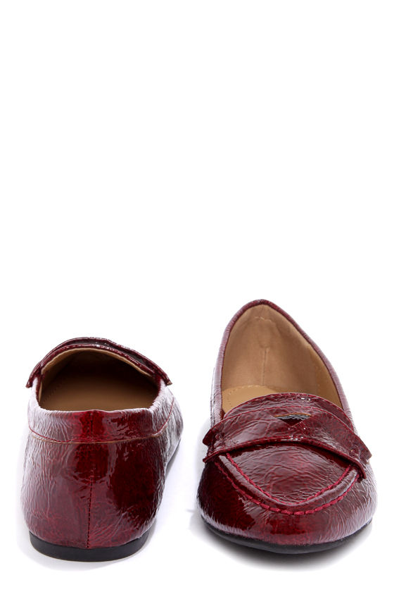 Bamboo Catchy 04 Bordeaux Red Crinkle Patent Pointed Loafers at Lulus.com!
