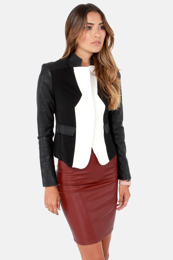 The Deluxe Model Ivory and Black Vegan Leather Blazer at Lulus.com!