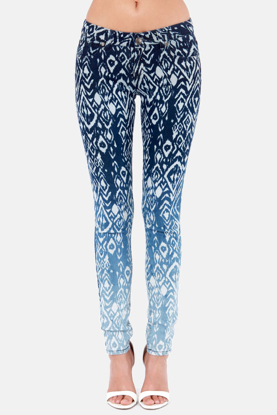 Make the Fade Ombre Ikat Print Skinny Jeans at Lulus.com!
