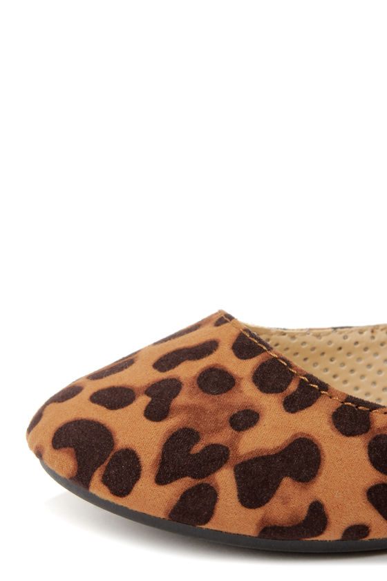 Bamboo Standouts 17A Leopard Ankle Strap Ballet Flats at Lulus.com!