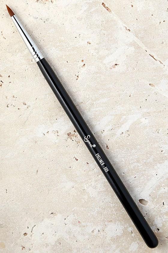 Sigma E05 Eye Liner Brush 1