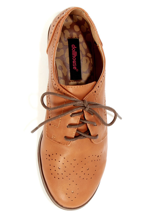 Dollhouse Joey Chestnut Brown Lace-Up Brogue Oxfords at Lulus.com!