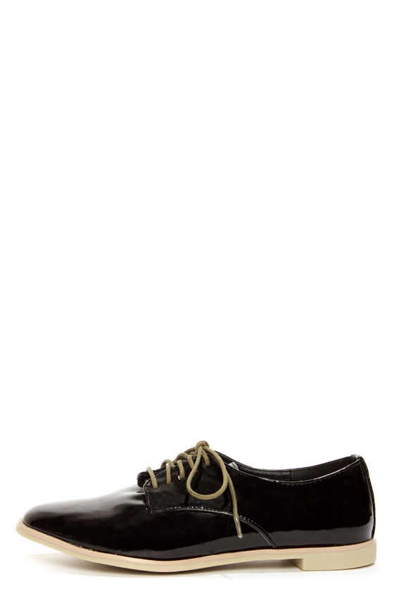 Dollhouse Dapper Black Patent Oxford Flats at Lulus.com!