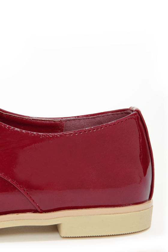 Dollhouse Dapper Crimson Red Patent Oxford Flats at Lulus.com!