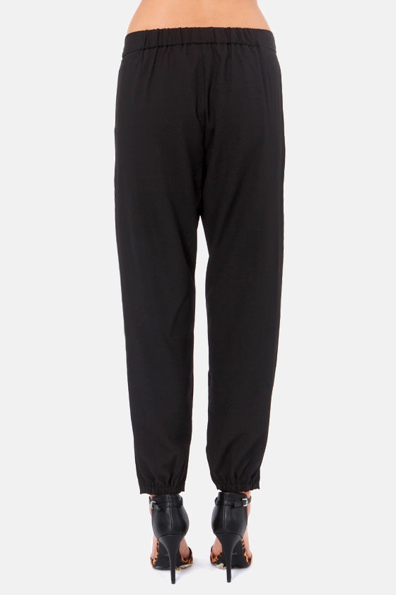 Costa Blanca Coast to Coast Black Cropped Pants at Lulus.com!
