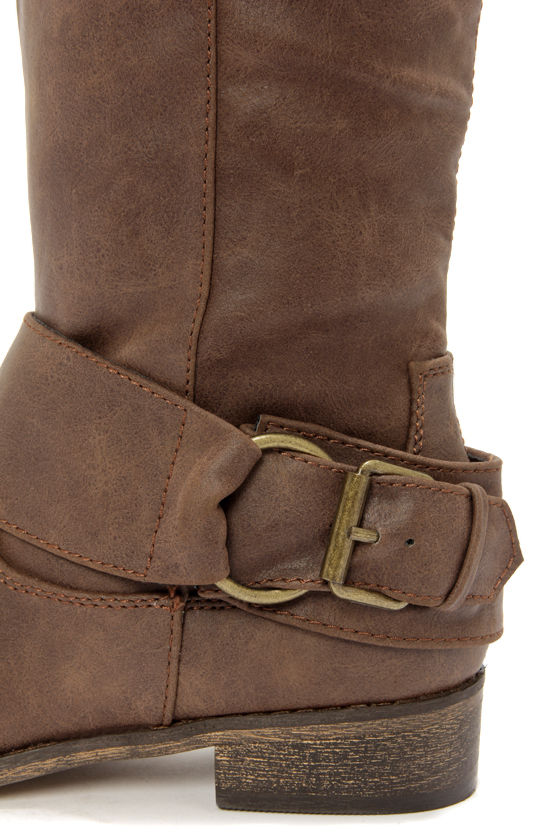 Rider 16 Light Brown Belted Riding Boots at Lulus.com!