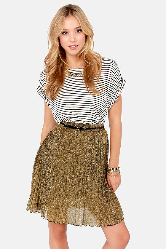 Stop, Look, and Glisten Pleated Gold Skirt at Lulus.com!