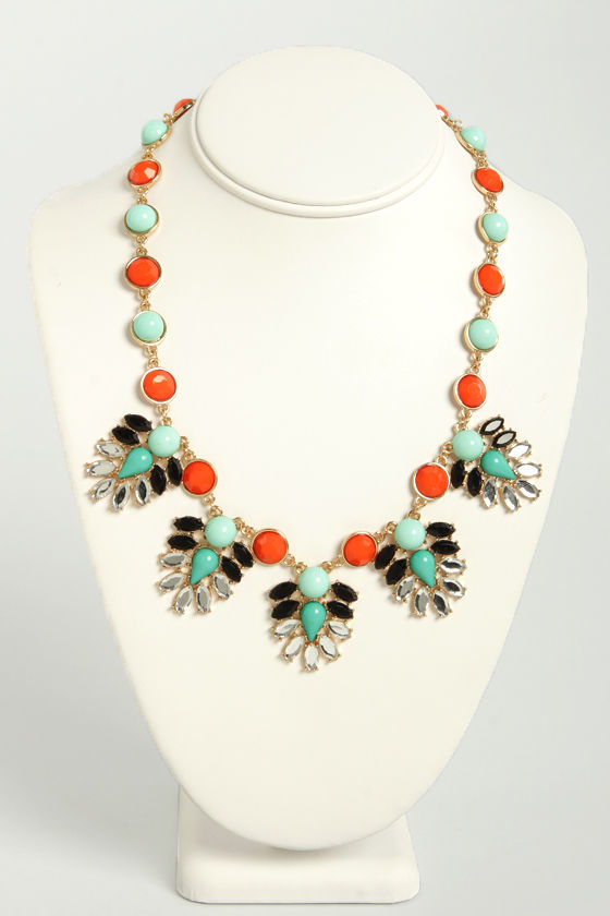 Ladies of the Court Coral Red and Mint Necklace at Lulus.com!