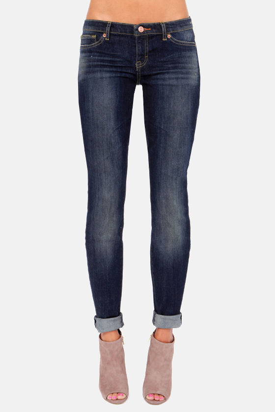 Dittos Jessica Low-Rise Dark Blue Jeggings at Lulus.com!