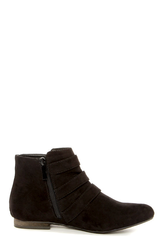 Astro 11 Black and Gold Buckled Ankle Boots at Lulus.com!