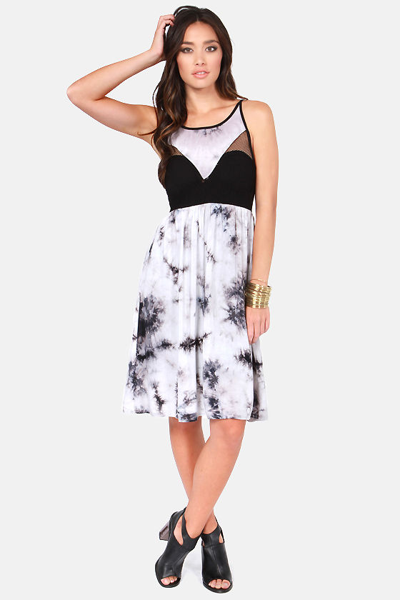 Reverse Tie-Dyes Finish First Black and Grey Dress at Lulus.com!