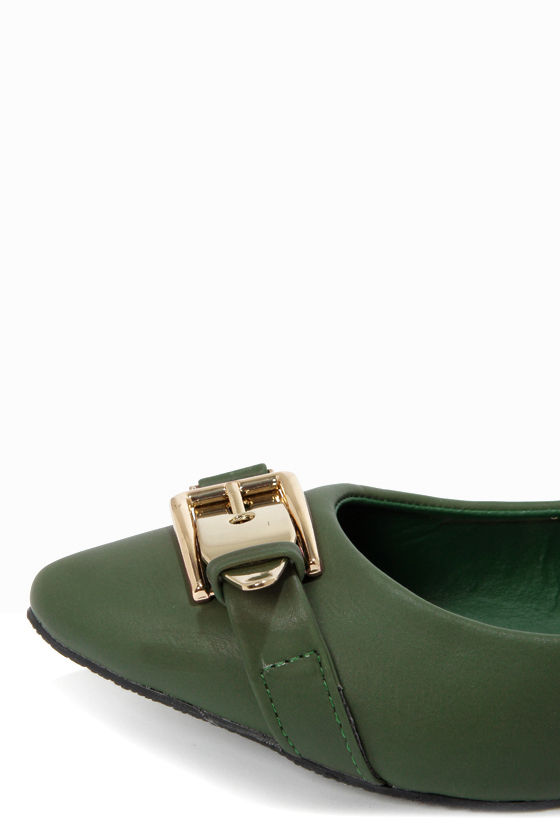 Mixx Shuz Ian 03 Hunter Green Buckled Pointed Flats at Lulus.com!