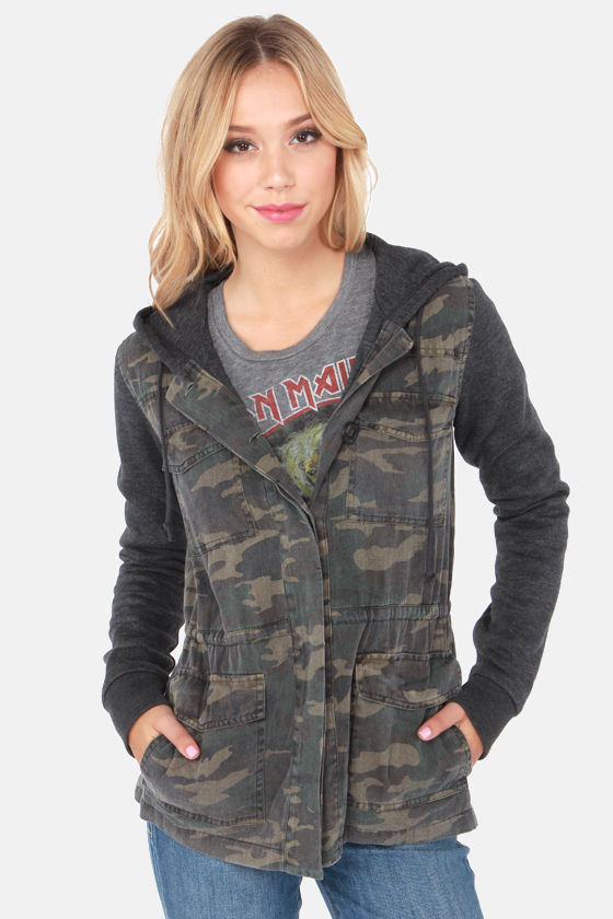 O'Neill Undercover Washed Camo Print Jacket at Lulus.com!