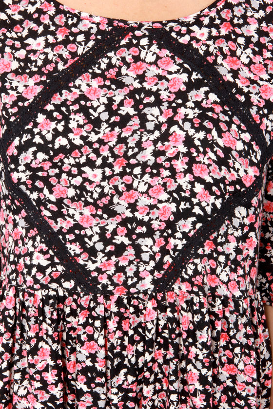First Lace Black and Pink Floral Print Dress at Lulus.com!