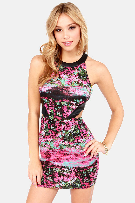 Secret Meadow Fuchsia Floral Print Dress at Lulus.com!
