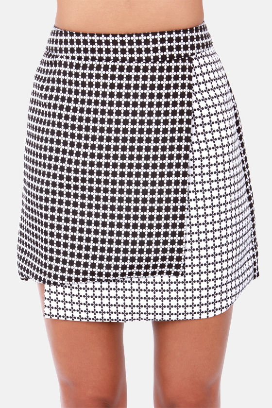 Mon Petit Fleur Black and White Floral Print Envelope Skirt at Lulus.com!
