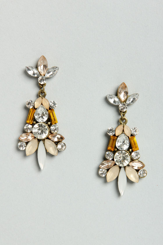 Bon Voyage Peach Dangle Earrings at Lulus.com!