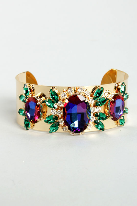 Get the Picturesque Gold Rhinestone Cuff at Lulus.com!