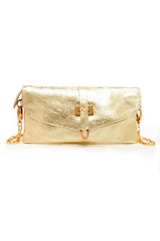 Metallic in My Affairs Gold Clutch at Lulus.com!