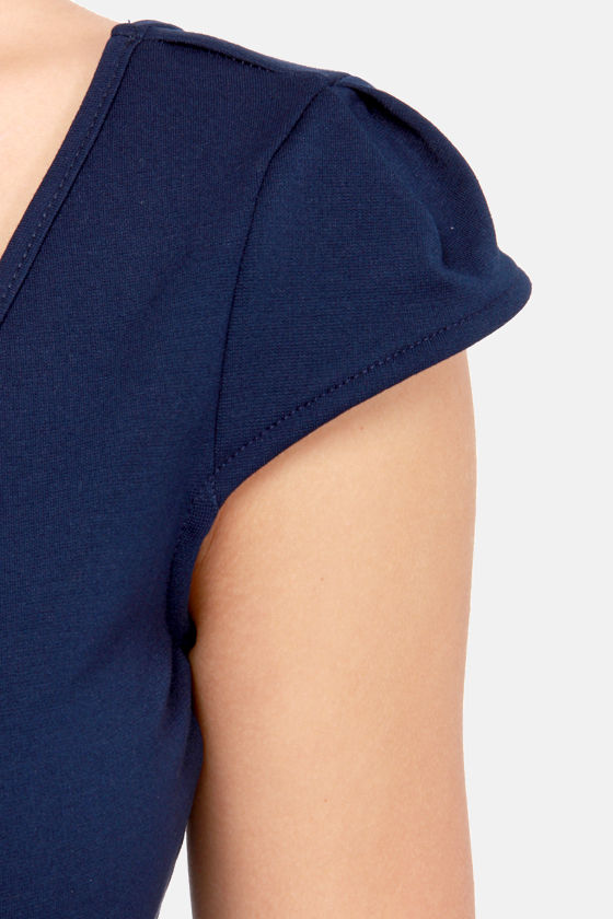 Reach the Peek Navy Blue Crop Top at Lulus.com!