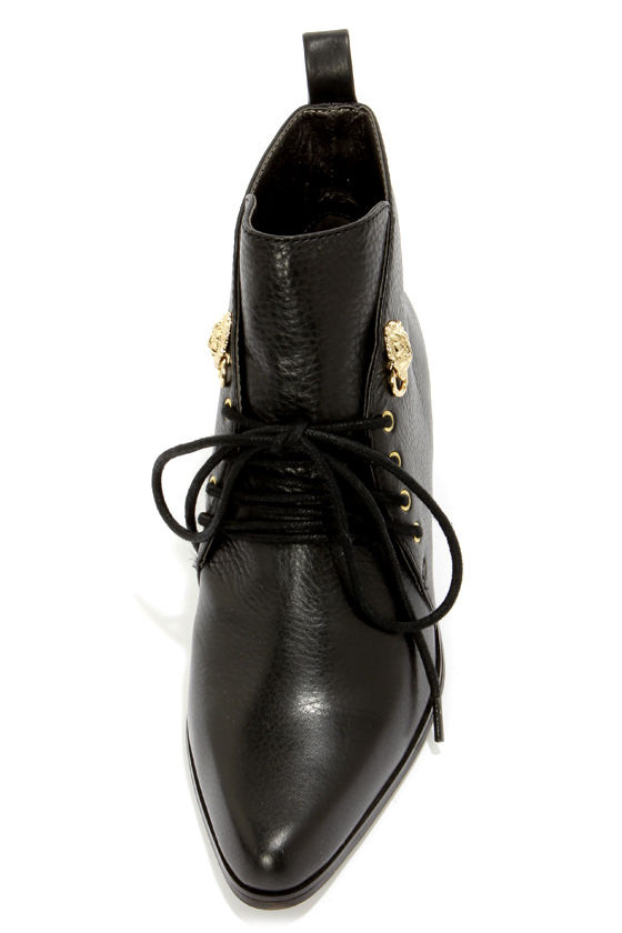 Grey City Waverly Black Leather Lace-Up Ankle Boots at Lulus.com!