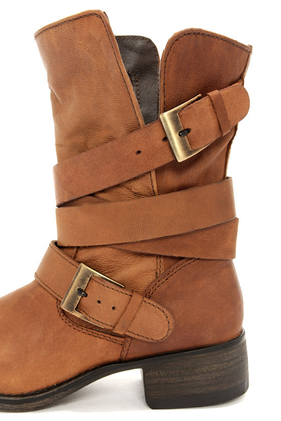 Steve Madden Brewzzer Cognac Leather Belted Mid-Calf Boots at Lulus.com!