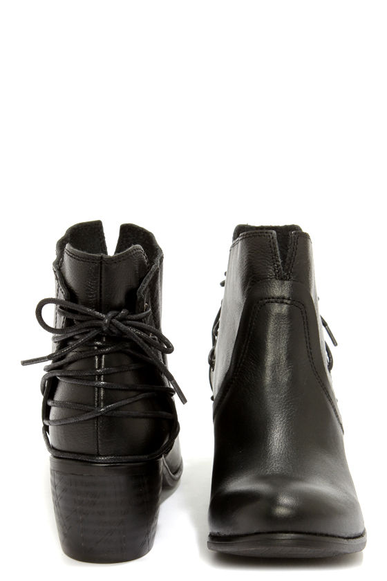 Sixtyseven Blake 75999 Floater Black Laced-Back Ankle Boots at Lulus.com!