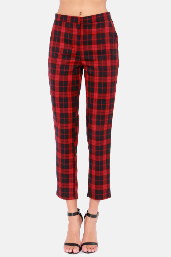 You plaid me at hello cropped black and red plaid pants