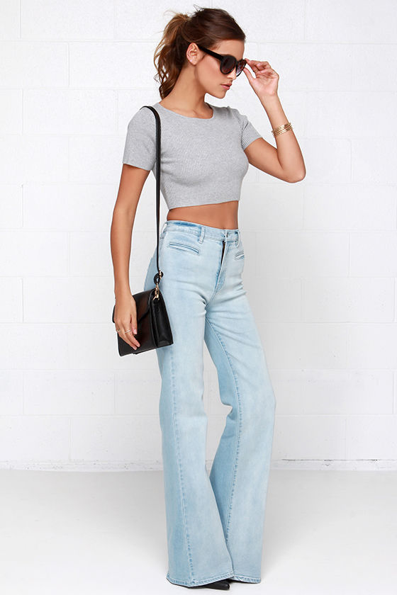 Light wash high waisted flare jeans – Global fashion jeans collection