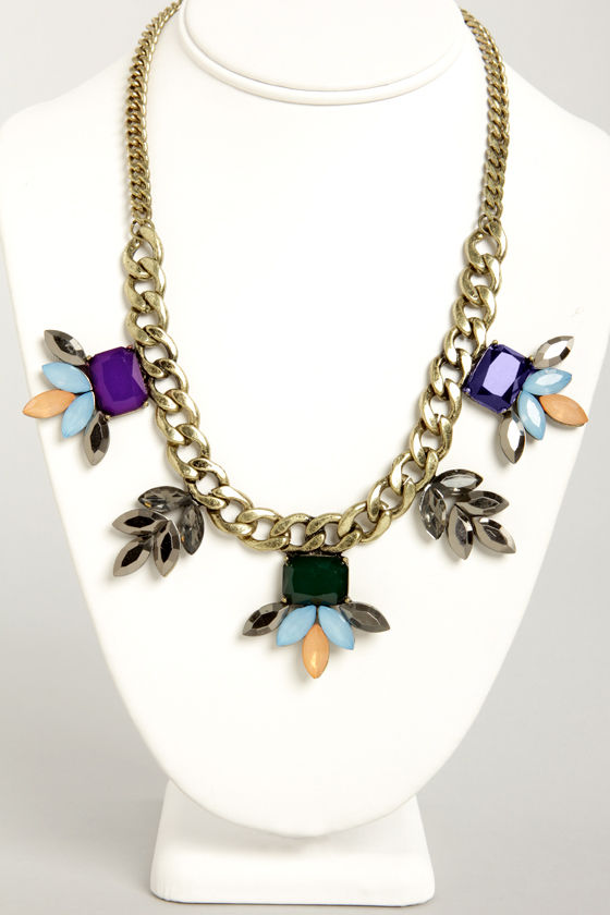 A Girl Can Gleam Blue Statement Necklace at Lulus.com!