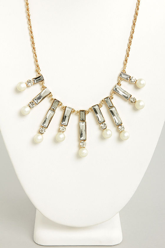 Snowdrops Gold and Pearl Necklace at Lulus.com!