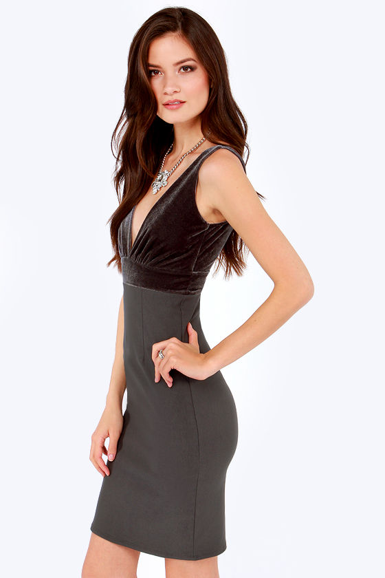 LULUS Exclusive Hostess Gift Grey Velvet Midi Dress at Lulus.com!