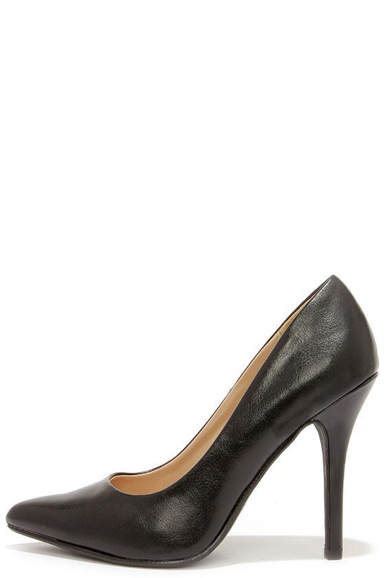Black Heels - Pointed Pumps