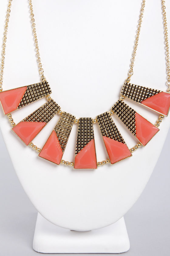 Plot the Points Gold and Coral Statement Necklace at Lulus.com!