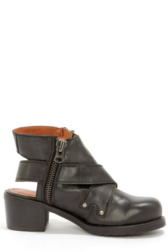 Sixtyseven 75944 Daisy Floater Black Leather Ankle Boots at Lulus.com!