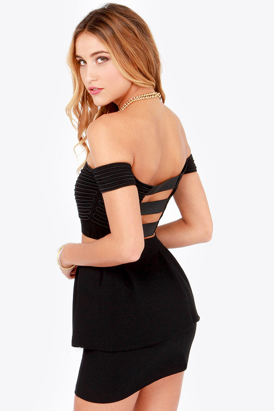 Piping Hot Black Crop Top at Lulus.com!
