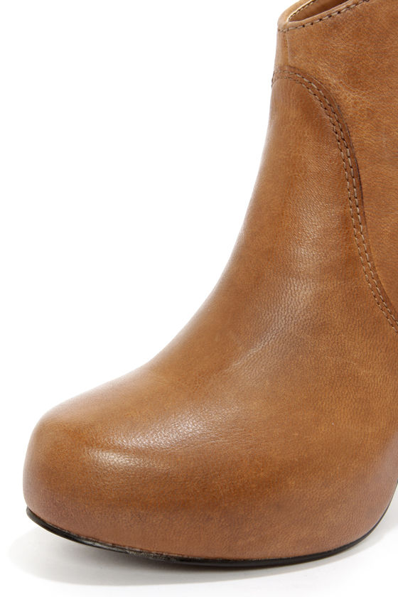 Steve Madden Naples Cognac Leather High Heel Ankle Boots at Lulus.com!