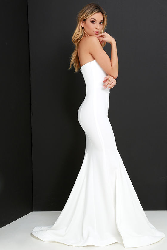 White Fitted Maxi Dresses