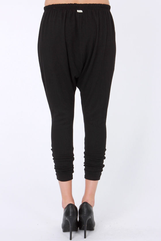 RVCA Embezzler Black Harem Pants at Lulus.com!