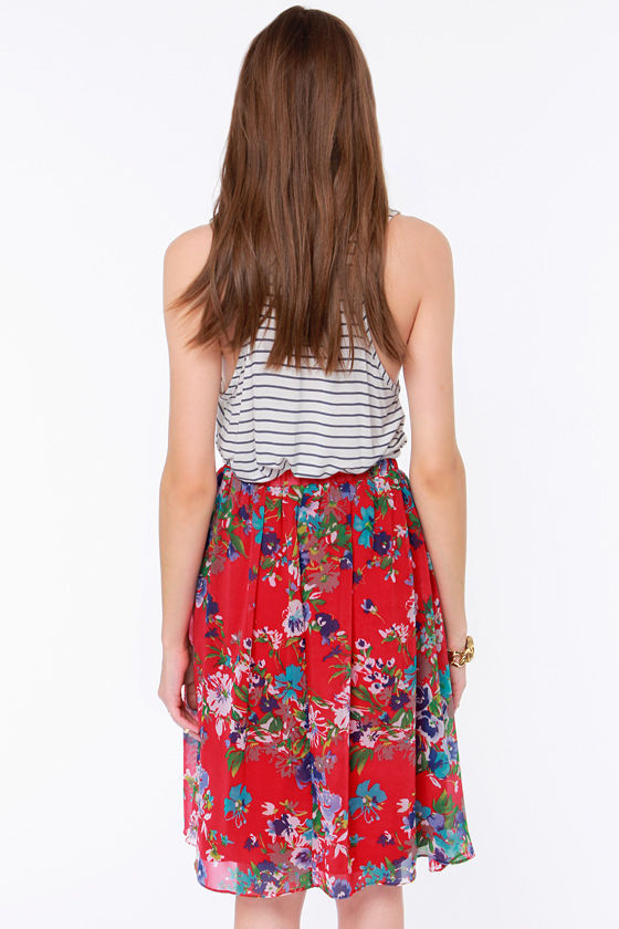 Fleur the One Red Floral Print Midi Skirt at Lulus.com!