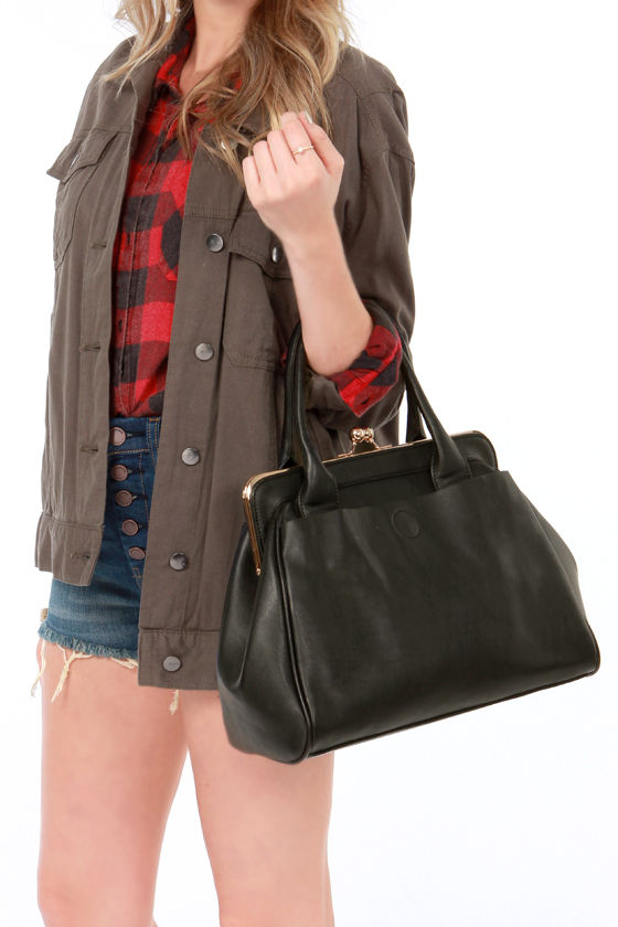 It's a Snap Black Handbag at Lulus.com!