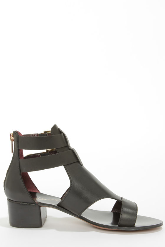 Report Signature Darian Black Belted Leather Sandals at Lulus.com!