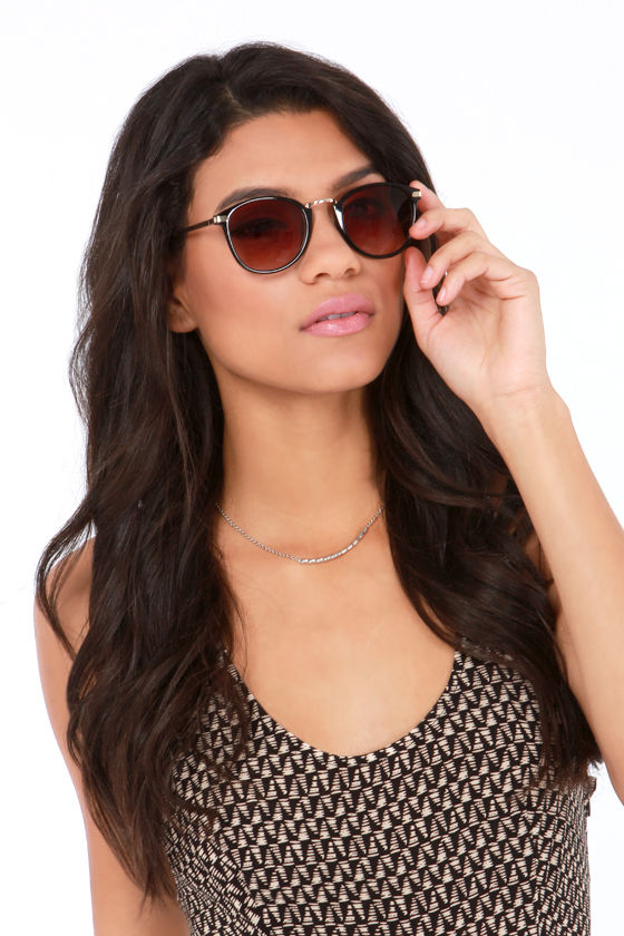 Castro Black Sunglasses at Lulus.com!