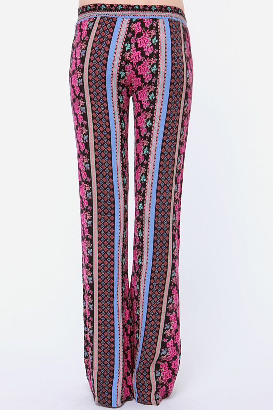 Volcom Love Sick Pink Print Pants at Lulus.com!
