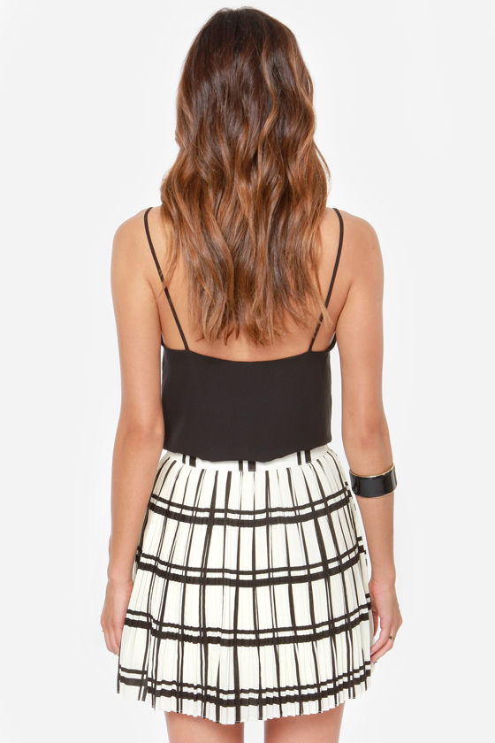 Dancing in the Pleats Black and Ivory Plaid Skirt at Lulus.com!